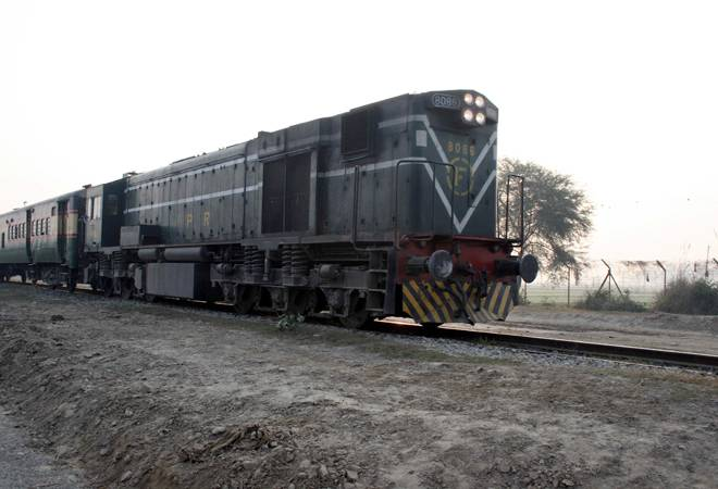 Samjhauta Express leaves Lahore station for Delhi after Pakistan restores service
