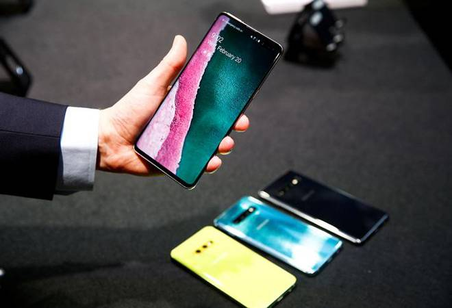 Samsung announces a series of Galaxy S10 smartphones; pre-booking starts today