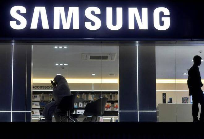 Samsung is expected to introduce a completely bezel-less TV at the Consumer Electronics Show (CES) 2020.