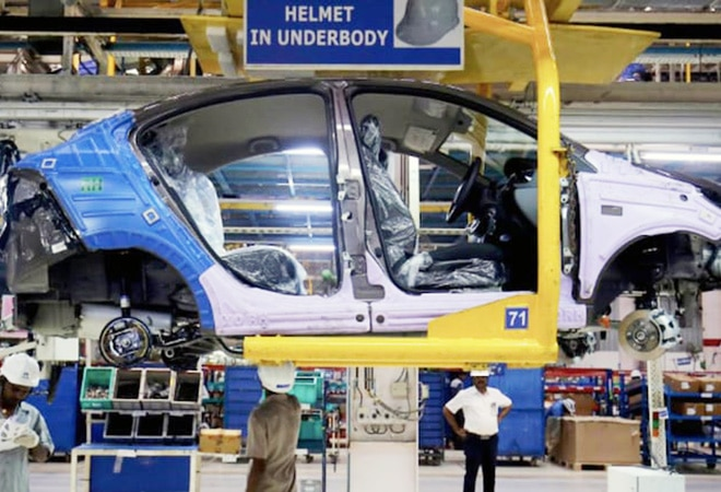 Scrappage policy: Carmakers to give 1% discount on new vehicles if old one is junked