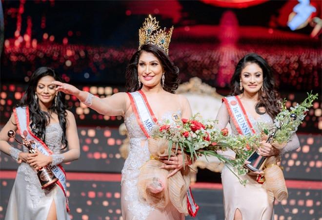 Mrs World snatches Mrs Sri Lanka beauty pageant winner's crown