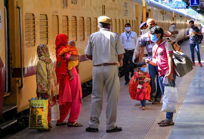 Lockdown 3.0: Who pays for migrants' tickets? Here's what Railways' guidelines say