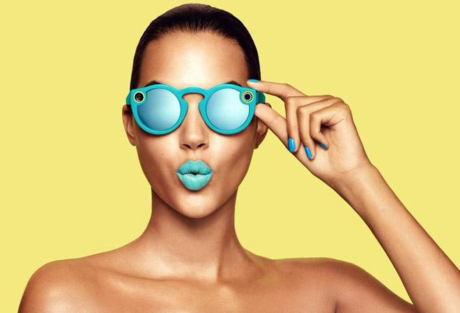 Snapchat created these really chic sunglasses that record videos