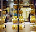 Gold price crosses Rs 43,000 per 10 gm for first time on coronavirus fears