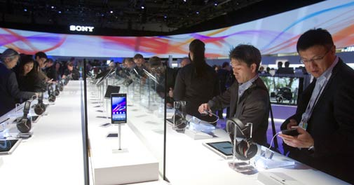 Sony unveils two new Xperia smartphones at CES 2014