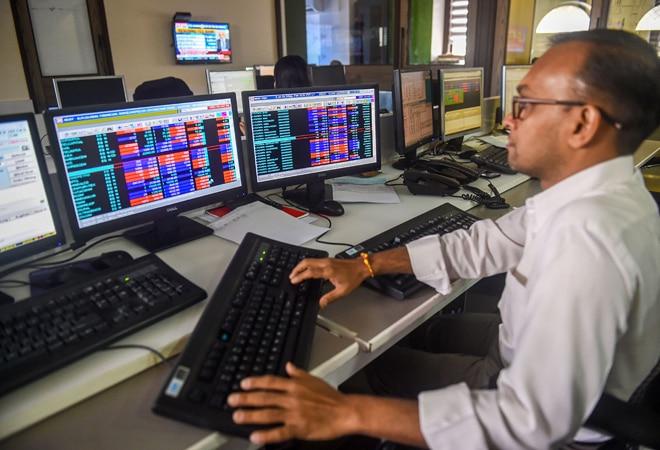 Stock market advance-decline ratio improves in August, indicates bullish trend