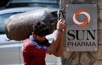 Sun Pharma stock falls 14.95% on 2016 sales expectations