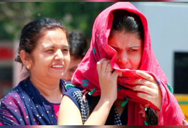 Delhi heat wave: IMD issues red warning, temp expected to cross 45 degrees in the next 2 days