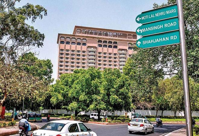 5-star hotels turn into hospitals as Delhi braces for more coronavirus cases
