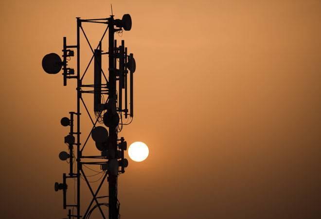 Govt revenue from telecom companies slips 22% in 2017-18