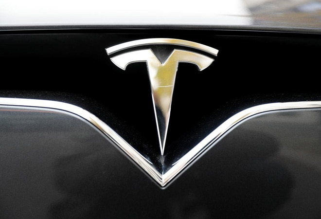 Tesla could hit 'record deliveries' this quarter, according to leaked email