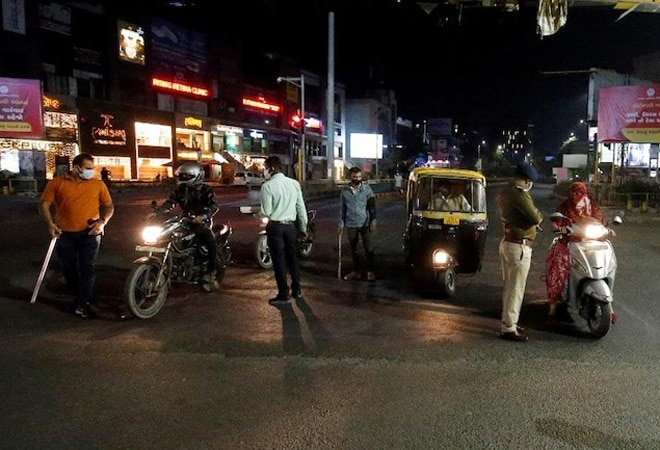 HC orders week-long lockdown in 5 UP cities; state govt says no