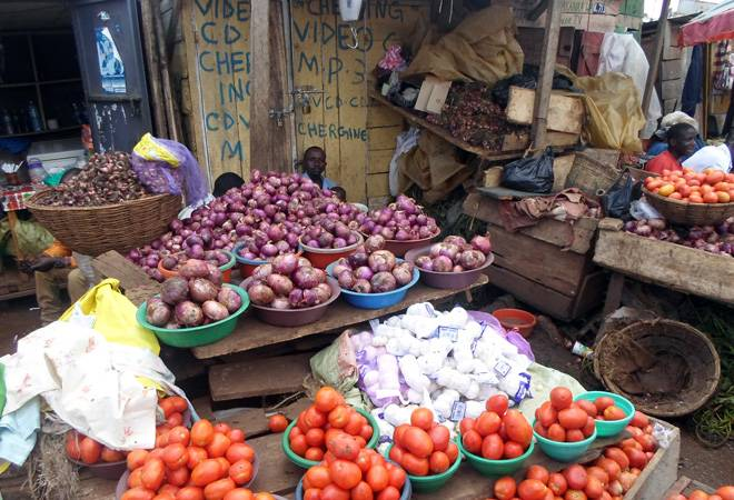 Onion, tomato prices remain high at Rs 60-70/kg in Delhi