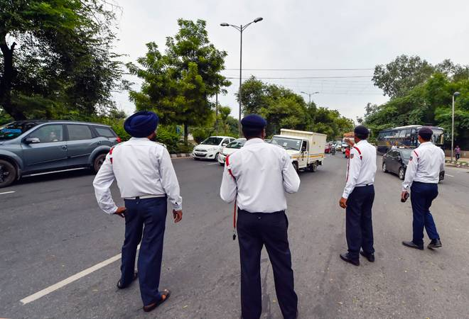 New traffic fines: Delhi cops to pay twice the penalty for violating rules