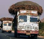 Truck drivers, owners pay Rs 47,000 crore bribe on road every year