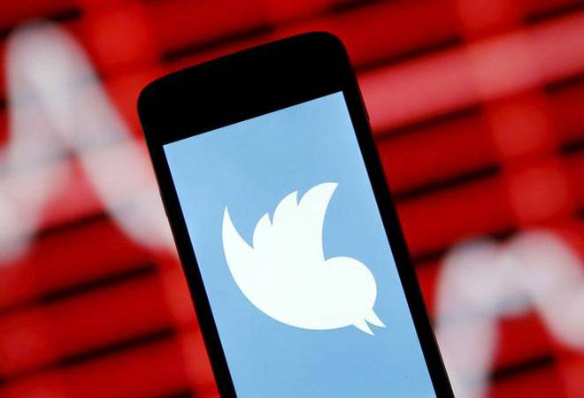 Twitter ends 140-character limit for sending direct messages