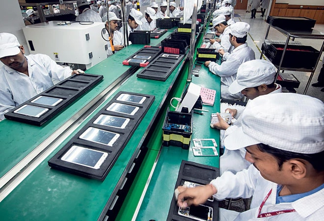 Phone makers approach Centre to push timeline of PLI scheme by a year