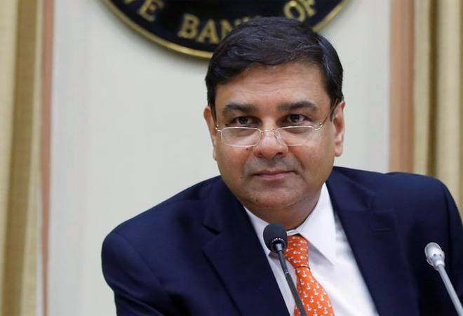RBI keeps repo rate unchanged to control inflation, cuts SLR by 50 bps