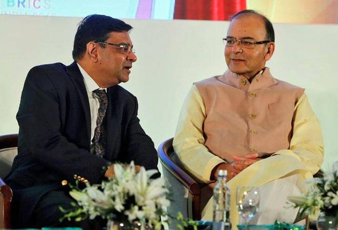 Urjit Patel, Viral Acharya survive RBI board meeting; agree to many of Centre's demands