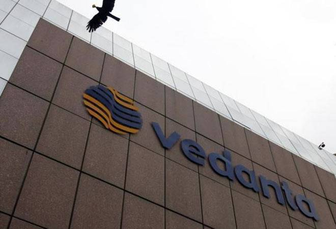 Vedanta falls over 4% after Cairn India's CEO and CFO resign