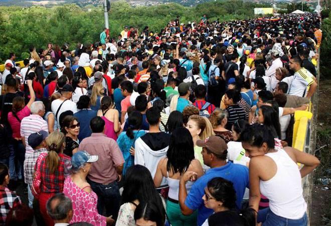 Venezuelans crossed border to Columbia to buy food