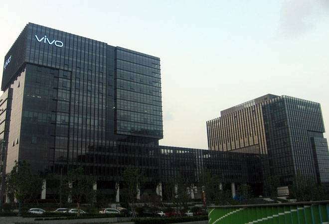 Vivo beats Samsung for number two position in March quarter, says Canalys