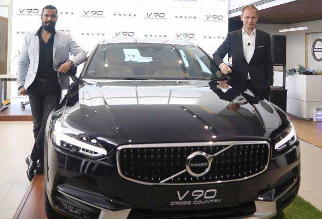 Volvo brings new crossover V90 at Rs 60 lakh