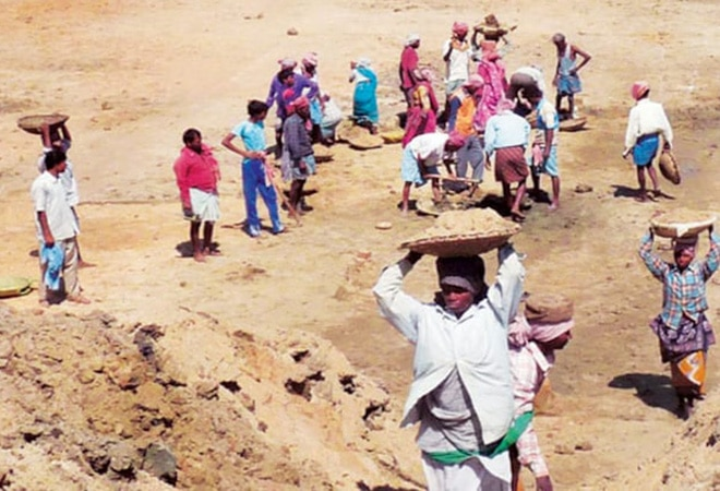Rebooting Economy 43: States exhaust MGNREGS fund, leave Rs 1,386 crore in unpaid wages