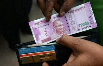 Cash crunch on Diwali shopping? Check out interest-free options to meet expenses