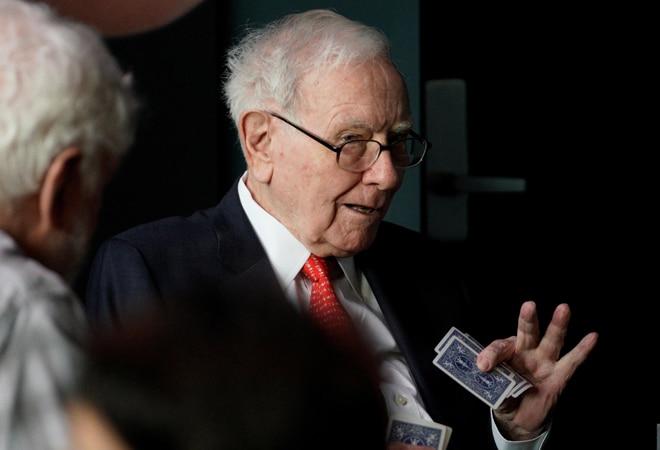 Warren Buffett buys 5% stakes worth $6.21 billion in Japan's five biggest trading firms