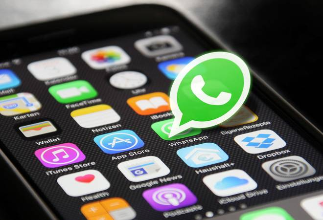 WhatsApp is finally rolling out Short Link feature for business users on iOS