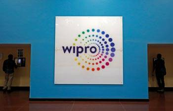 Wipro to hike salaries, offer promotions to 5,000 employees
