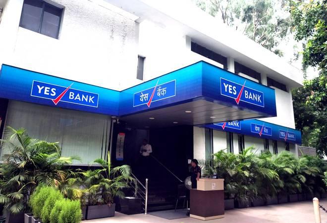 Yes Bank's Rana Kapoor in talks with Vijay Shekhar Sharma to sell stake in bank