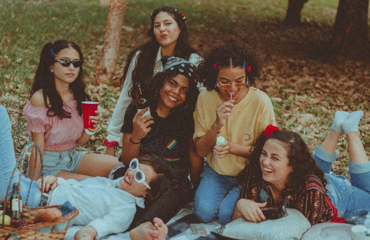 Friendship Day 3 Zodiac Signs That Make Great Bffs In Your Friend Circle Life Cosmopolitan India