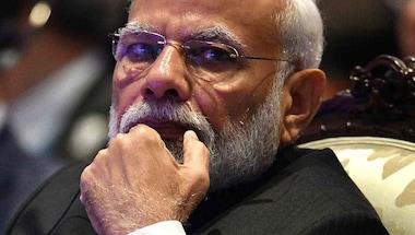 Khan market gang, Tavleen singh, Messiah modi, Narendra Modi