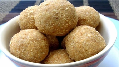 Winter food, Festival food, Lohri, Aate ke laddoo
