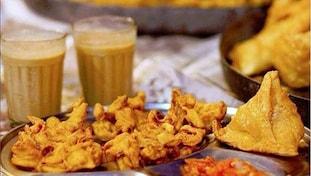 Chai and pakoras, Monsoon delicacies, Onion pakoras, Dailyrecco