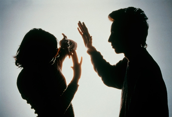 domestic-violence-th_052416073458.jpg