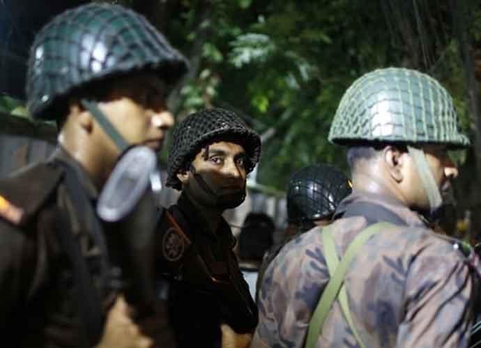 bangladesh-attack_ku_070616100359.jpg