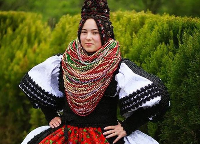 romanian-bride-embed_081116123422.jpg