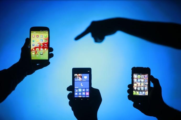 cell-phone-addiction_021517055907.jpg