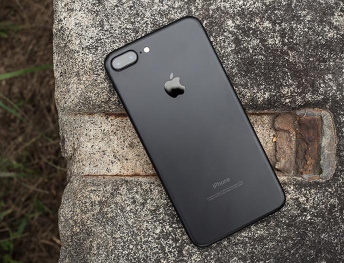 iphone-7-plus-ph-cop_080917014355.jpg