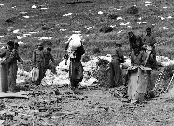 The jawans fighting at heights of 12,000-14,000 feet had only cotton tunics and one blanket each to fight off the cold. Photo: India Today