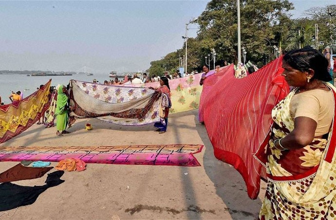 The saree is not dying out, but men anyway don't get to lecture women on it. Photo: PTI