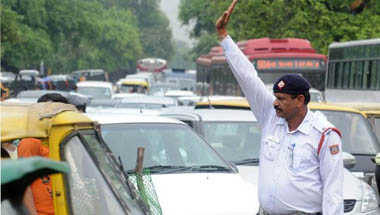 Arvind Kejriwal, Delhi, Traffic rules