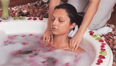 Shah Rukh Khan, Kurkure, Soaps, Bathing