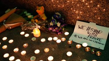PrayForParis, Paris Attacks