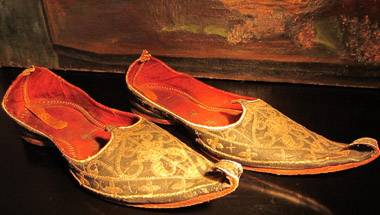 Fashion, British Raj, Indian culture, Shoe stories