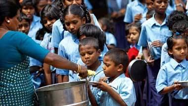 Maneka Gandhi, Mid-day meal, Food packets