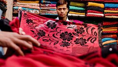 Saree, Hindutva, Banarasi textiles, New York Times